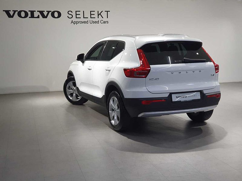 Volvo  T4 AWD MMT